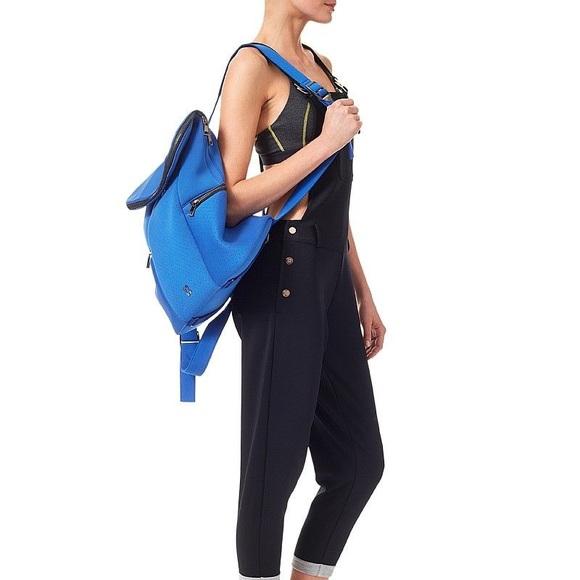 d8d052cfa SWEATY BETTY ALL SPORT BAG IN BLUE. M_5b2b90eaa31c331d69dcf6db